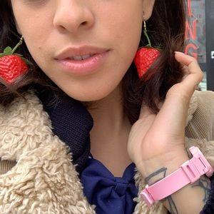 Jewelry - Strawberry 🍓 dangle earnings